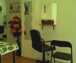 vends salon de coiffure afro paris 10 annonces annonce produit. Black Bedroom Furniture Sets. Home Design Ideas
